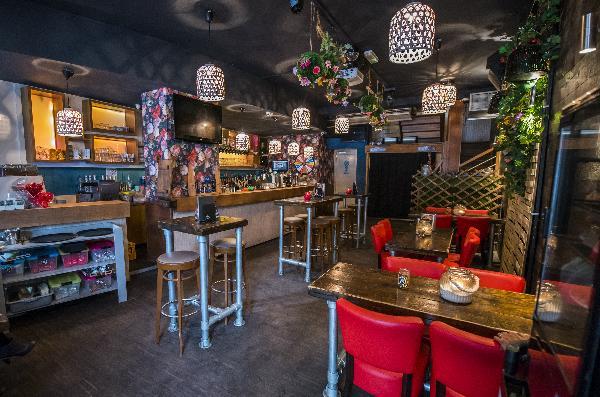 Cafe op horecaplein van Roermond foto 16