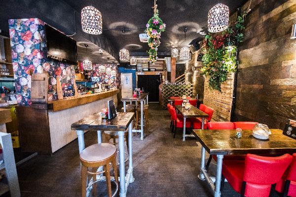Cafe op horecaplein van Roermond foto 15