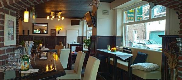 Restaurant met B&B en bovenwoning in Baarlo foto 2