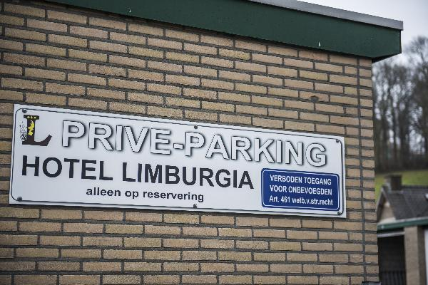 Parkeerterrein in hartje Valkenburg (verkoop alleen icm exploitatie Limburgia) foto 1