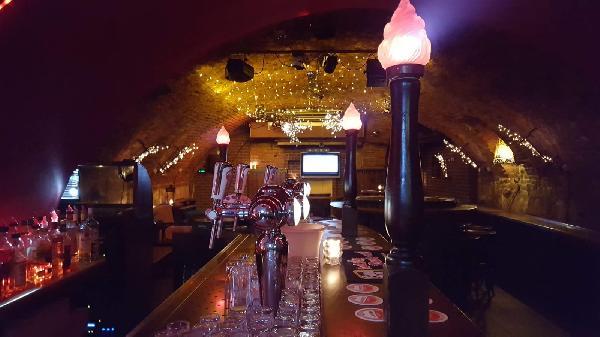 Gezelligste keldercafé van Midden-Limburg foto 5
