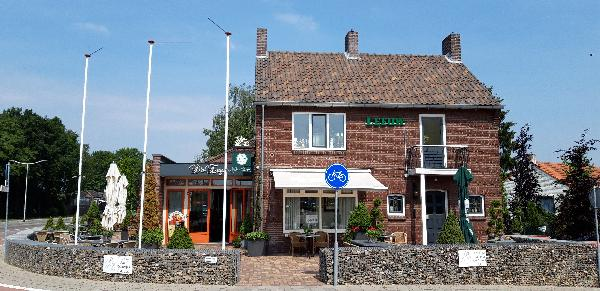 Mooi restaurant in Bergen aan de N271 foto 1