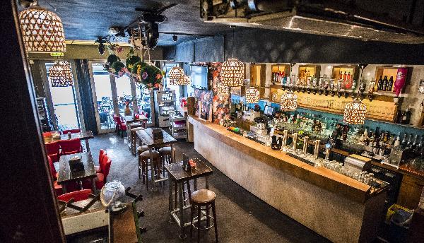 Cafe op horecaplein van Roermond foto 14