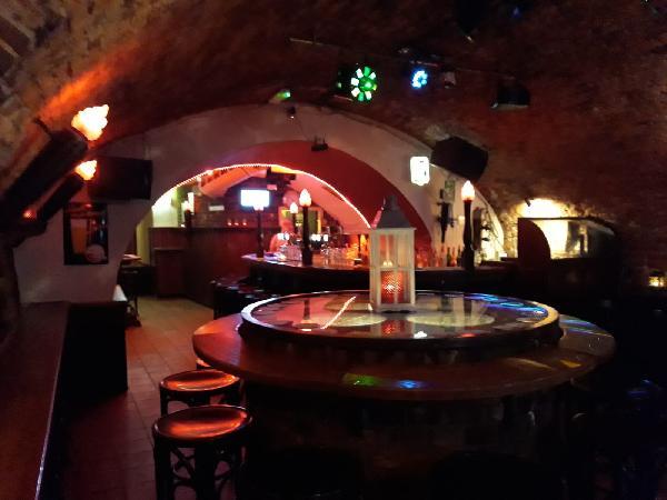 Gezelligste keldercafé van Midden-Limburg foto 3