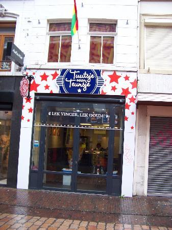 Cafetaria / Dagzaak centrum Roermond foto 1